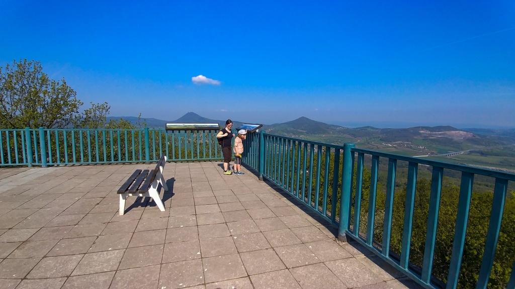 Vyhlídková terasa na Lovoši