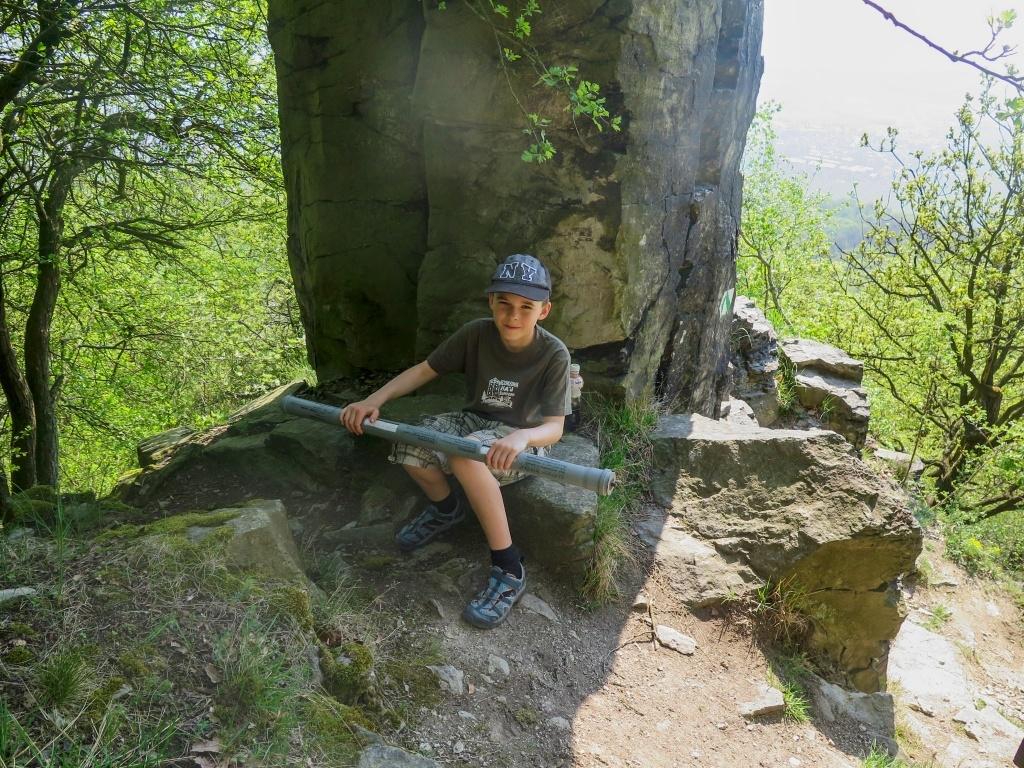 Keška na skalách pod vrcholem Lovoše :-)