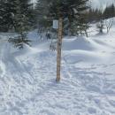 Rozcestí U pramene Vltavy - měrka sněhu ukazuje skoro 120 cm.