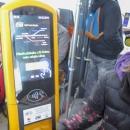 Operuje zde společnost GW Train Regio, jízdenku je možno zaplatit kartou.