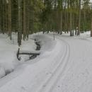 Šumavská magistrála vede podél Schwarzenberského kanálu. Jedeme sice mírně do kopce, ale v reálu je to rovinka a docela nuda a dřina.