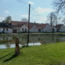 Vesničky jsou tady kouzelné, skoro všude mají nějaký rybníček