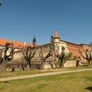 Obědváme v zámecké restauraci u zámku Uherčice