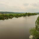 Výhled na Berounku poblíž soutoku s Vltavou. Berounka je tady širší...