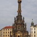 A pak projíždíme Olomouc přes historické centrum - Sloup Nejsvětější Trojice na Horním náměstí