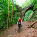 Jana projela pod Čertovým mostem, který byl součástí romantického areálu Lichtenštejnů
