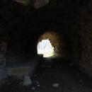 Tunel pod umělou zříceninou