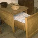 Praktická postel pro hosty