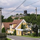 Opuštěný nepřístupný hrad (zámek) ve Starém Hrozňatově