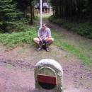 Historický hraniční kámen - Luděk sedí v Německu