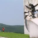 Nezdálo se, ale památník je mohutný
