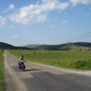 Vyjeli jsme z kopců a míříme na Novi Pazar