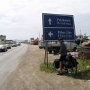 Na kraji Prištiny se jedeme podívat k Film City – nákupnímu středisku mezinárodních vojáků
