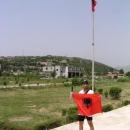Slavo si koupil albánskou vlajku