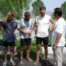Setkání s početnou italskou skupinou cyklistů (s doprovodem autobusu i albánských policistů)