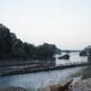 Hrubé čistění řeky od balkánského bordelu
