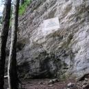 Titova jeskyně, odkud řídil Tito partyzánský odboj (jeskyně tu ale není)