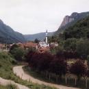 Za Novim Pazarem - blízkost Kosova je znát, je to samý minaret.