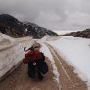 Tady už přituhuje. Sníh je i na cestě.