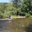 Turistická trasa vede i přes řeku