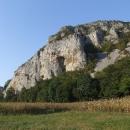 Vápencové skály na konci kaňonu