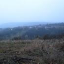 Podzimní vandry mají velkou nevýhodu a tím je brzký příchod tmy. Gerník je největší českou vesnicí v Banátu a když ji opouštíme, už se stmívá.
