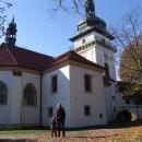 U zámeckého kostela