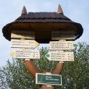 Turistický ukazatel v Horní Bečvě