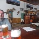 Luděk s Milošem, kolegou běžkařem. Potkali se na hřebeni a jeli spolu řadu kilometrů. Občas někam zašli na pivo.