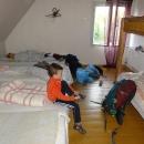 Ubytování na chatě je spíše turistického rázu