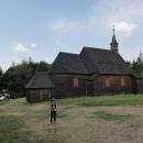Poblíž chaty se nachází dřevěný kostel sv. Antonína z roku 1640