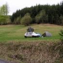 Nouzový nocleh nalezený o půlnoci z auta za světla luny