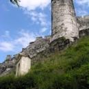 Dolní část hradeb s Čertovou věží