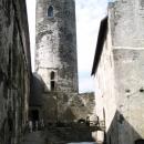 Hradní nádvoří s hlavní věží