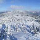 V dáli Kralický Sněžník – výhled z rozhledny