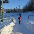 Na běžkách se dalo dostat až na vlakové nádraží!