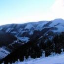 Ten placatý holý kopec je elektrárna Dlouhé Stráně (byli jsme tam na kolech :-)