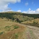 Pohoří je charakteristické již zmíněným pastevectvím, které se tam hojně provozuje dodneška. Nejsou to tedy hory liduprázdné, určené pro toho, kdo touží putovat nespoutanou divočinou, ale přítomnost domorodců může být turistům jedině kužitku.