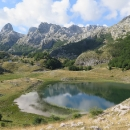 Ohlédnutí za jezerem a naším tábořištěm