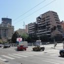 Bělehrad. Hned naproti budově vlády stojí budova bývalého Ministerstva obrany poničená bombardováním v roce 1999.