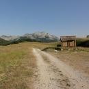 Nejznámější Orlovačko jezero ležící v nadmořské výšce 1438 metrů jenom míjíme.