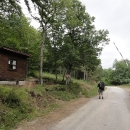 Míjíme budku výběrčího poplatků za vstup do Národního parku Sutjeska