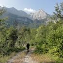 Ráno pokračujeme v sestupu z pohoří Maglič