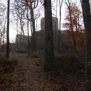Středověký hrad Valdek kdysi ukrytý hluboko v brdských lesích
