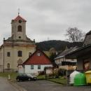 Čenkovický kostel a za ním Buková hora (958 m.)