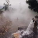 Horká koupel hned u silnice :-) Jeden z nej zážitků letošní cesty.