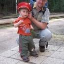 ... a ten mu půjčil svojí sváteční čepici :-)