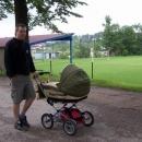 První den ještě vozík odpočívá, vyrážíme do kraje s kočárkem
