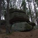 Obrovské balvany dělají les tajemným