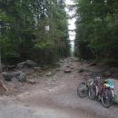 K Čertovu jezeru se to na kole nedá